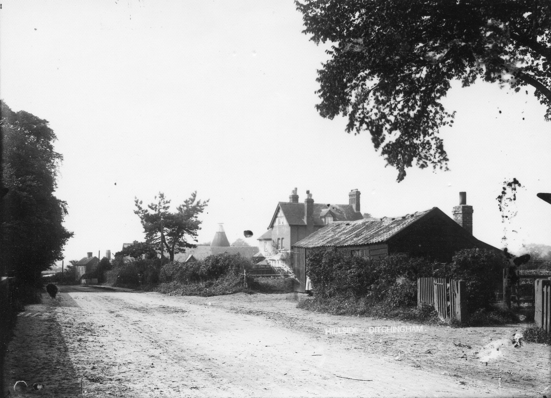 Broome Place looking towards Bungay from the crossroads,opposite what is now the Triumph garage.